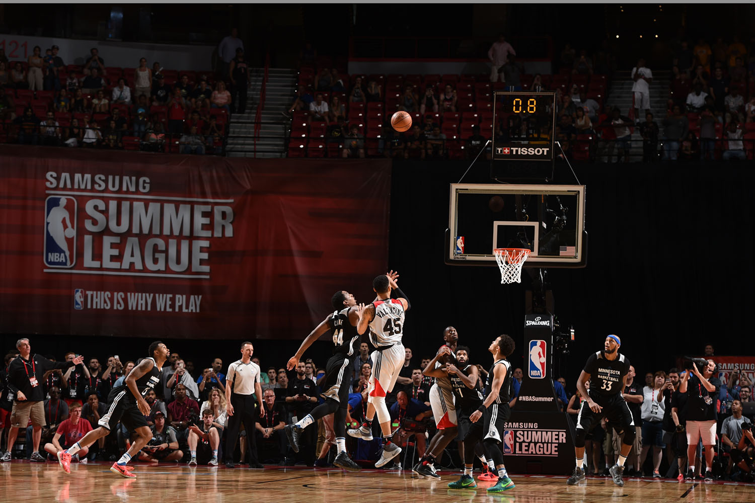 LAS VEGAS, NV - JULY 18:  Denzel Valentine #45 of the Chicago Bulls hits the winning basket against the Minnesota Timberwolves during the 2016 NBA Las Vegas Summer League on July 18, 2016 at The Thomas & Mack Center in Las Vegas, Nevada. NOTE TO USER: User expressly acknowledges and agrees that, by downloading and or using this photograph, user is consenting to the terms and conditions of Getty Images License Agreement. Mandatory Copyright Notice: Copyright 2016 NBAE (Photo by Garrett Ellwood/NBAE via Getty Images)
